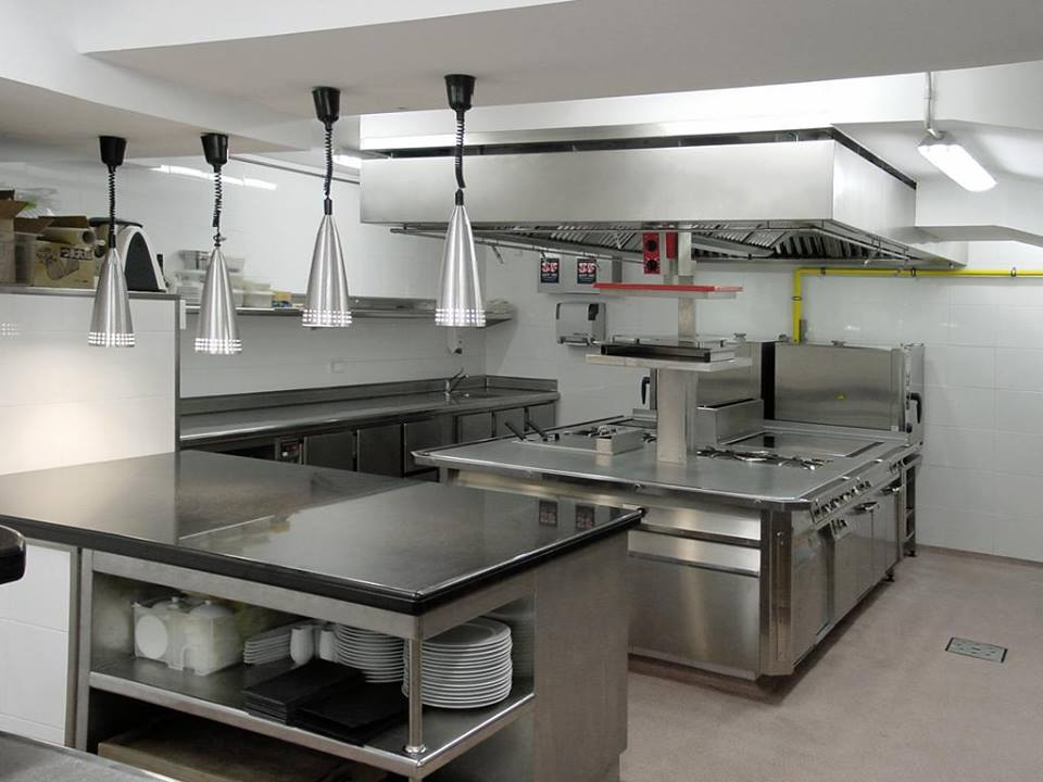 Acero inoxidable aliado indiscutible en la cocina grupo Articulos de cocina de acero inoxidable