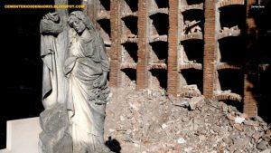 Estado de parte de los nichos del Cementerio de La Almudena. | CEMENTERIOS DE MADRID