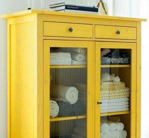 Restaura tus muebles más clásicos con un poco de pintura.
